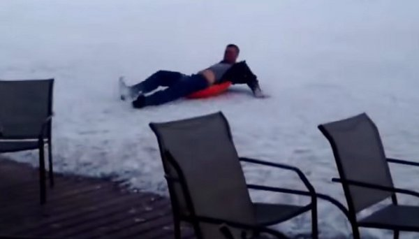 Guy Sliding down Mountain Fails to Bail (Video)