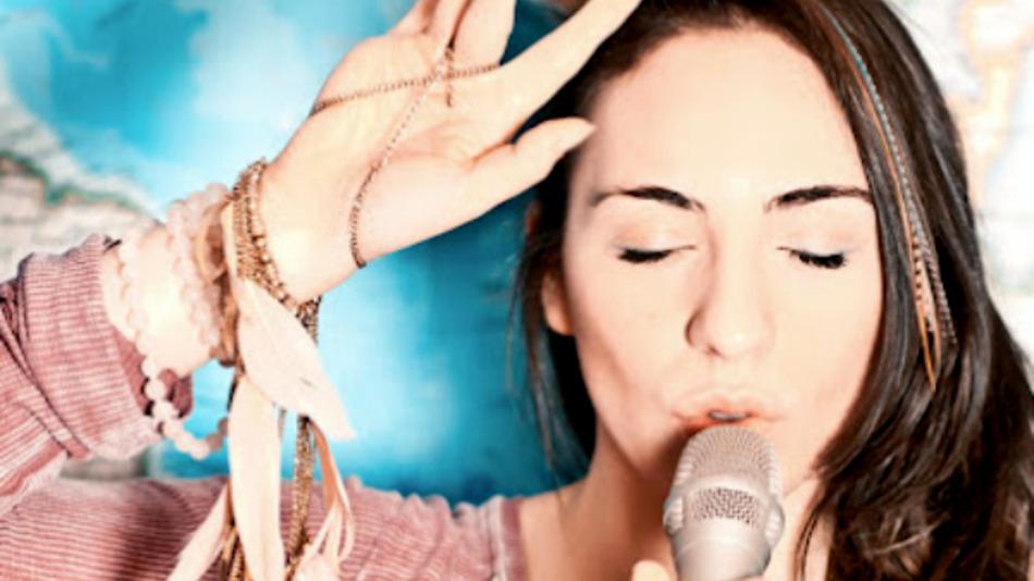 Musician-daria-musk-demonstrates-google-hangout-s-studio-mode-video--c81e9d77b0