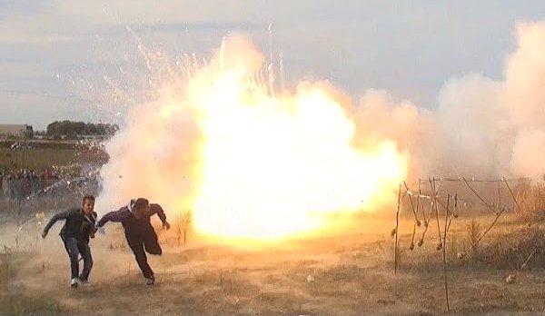 Crazy Italian Fireworks in Adelfia (Video)