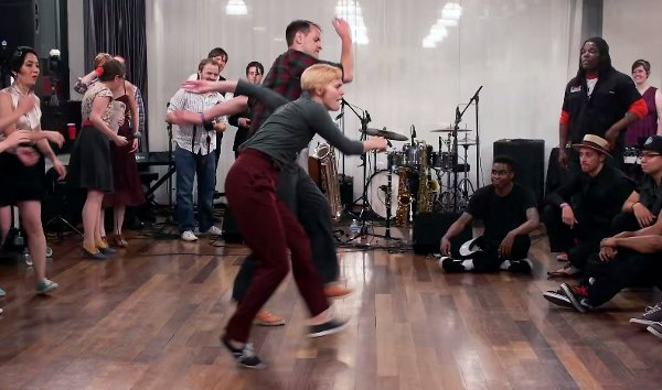 Dance-Off: Street Dancers vs Swing Dancers (Video)