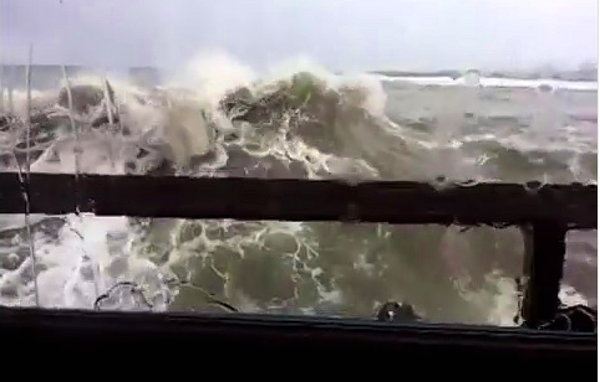 Wave Crashes through Restaurant Windows in Santa Barbara (Video)