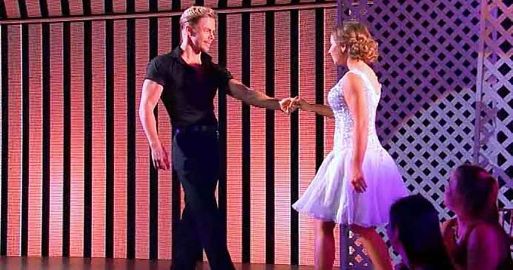 "He Grabbed Bindi's Hand For A ""Dirty Dancing"" Routine That Had Everyone On Their Feet Cheering"