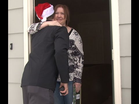Warm Your Heart By Watching a Secret Santa Surprises a School Secretary With a $10,000 Gift For Christmas