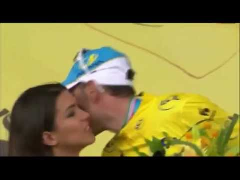 Tour de France Winner Vincenzo Nibali Gets Denied a Post-Victory Podium Smooch