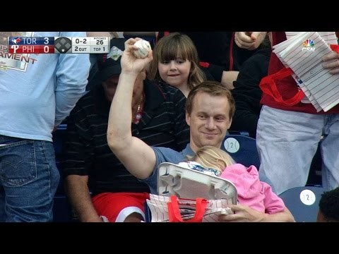 Super Dad One-Hand Catches Foul Ball on Father's Day Weekend