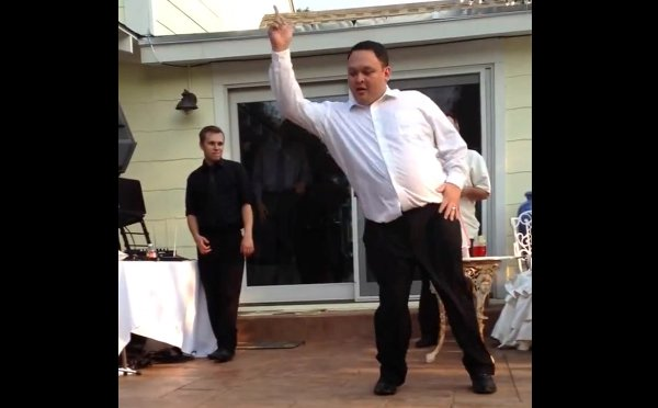 Man Dancing to Michael Jackson's Billie Jean Loses His Pants (Video)