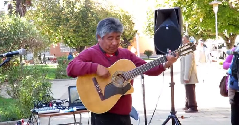 This Guitarist Will Leave You Speechless -- What He Does At 1:25 Is Mind-Blowing