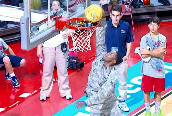 Airman Nathaniel Mills Dunks at Team USA Scrimmage (Video)