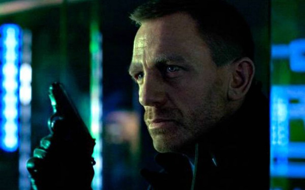 'Skyfall' Video Gives Glimpse of Bond's Underwater Fight Scene