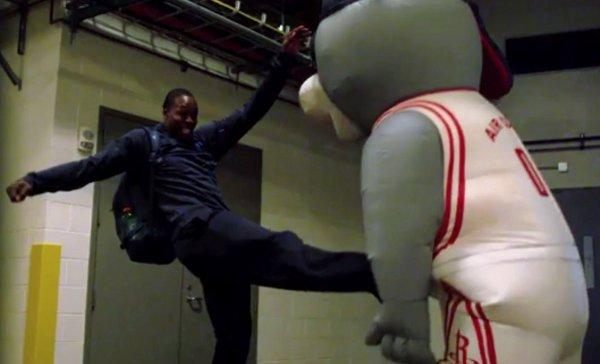 Houston Rockets Mascot Scares Players (Video)