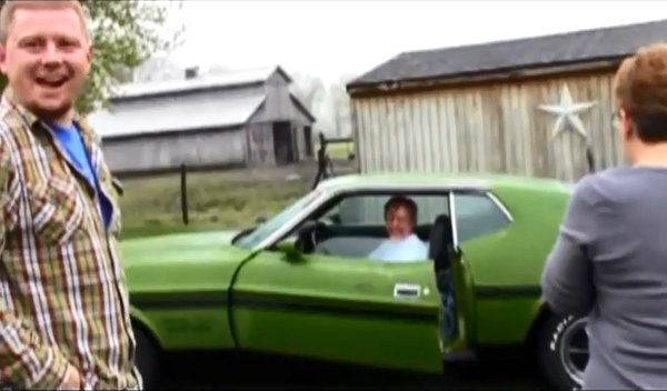 Son Surprises Dad with 1972 Mustang Mach 1 (Video)