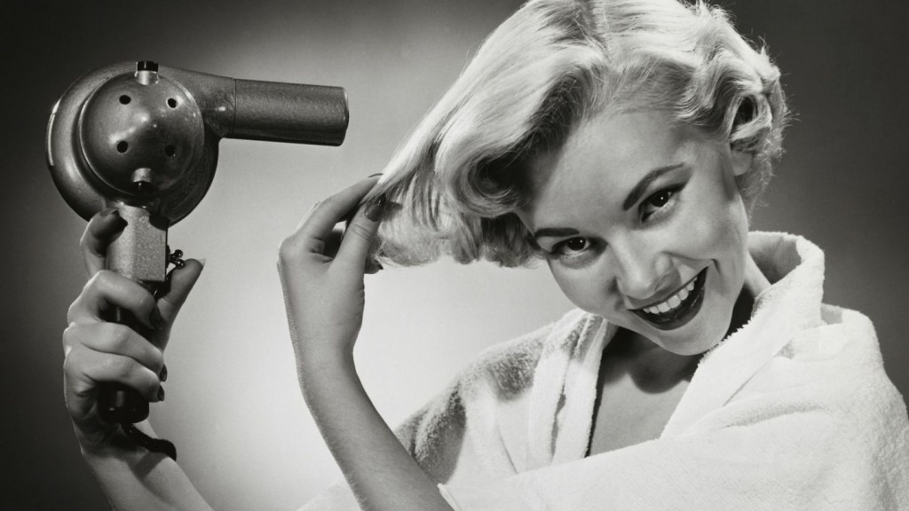 High-Tech Hair Dryers Aside, Beauty Industry Still Waits for Its 'Nest'