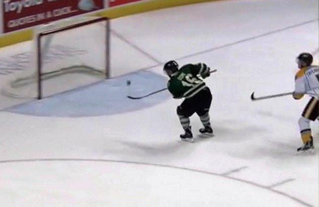 Junior Hockey Star Max Domi Scores Incredible Lob Goal (Video)