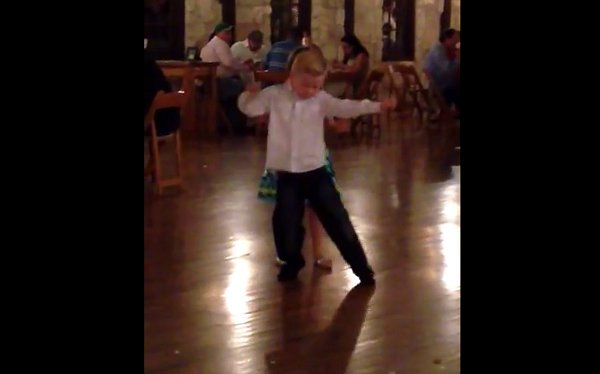 Little Boy Dancing at a Wedding like a Pro (Video)