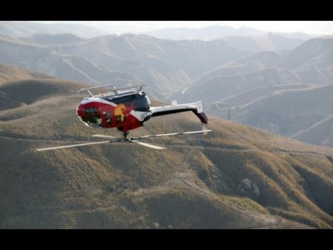 You Probably Didn't Know That Helicopters Could Fly Like This