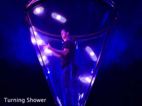 This Guy Knows How to Juggle With Light