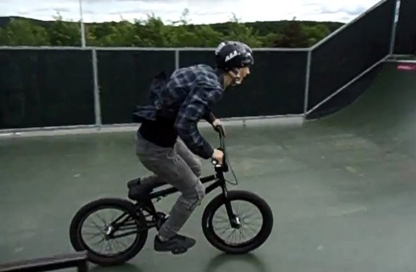 World's First BMX Footjam to Frontflip to Footjam (Video)